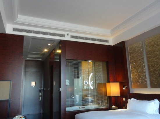 Hilton Beijing Capital Airport: Hotel room.
