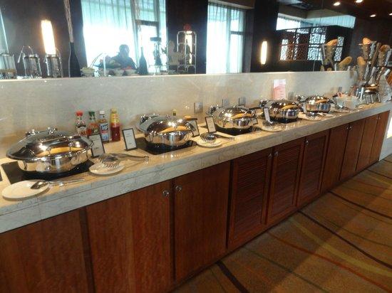 Hilton Beijing Capital Airport: Breakfast spread in Executive Lounge