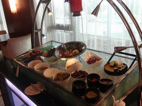 Hilton Beijing Capital Airport: Executive Lounge Breakfast spread.