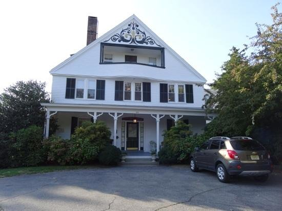 La Farge Perry House: inn