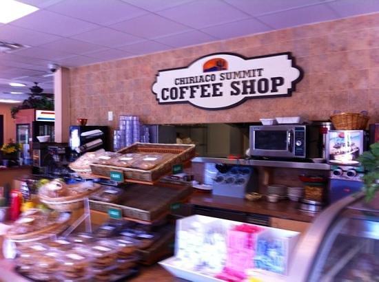 Chiriaco Summit Cafe: Counter
