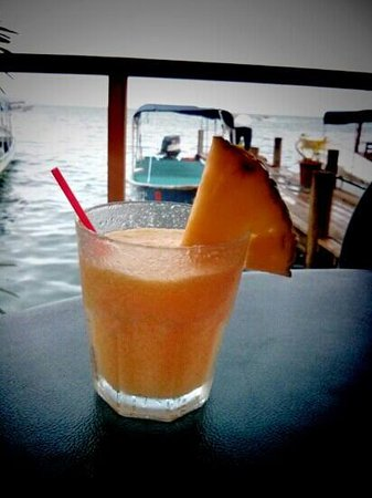 Buena Vista: Piña colada. Happy Hours 17-19
