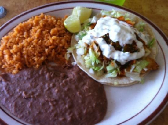 Guadalajara Taco Shop: fish tacos :)