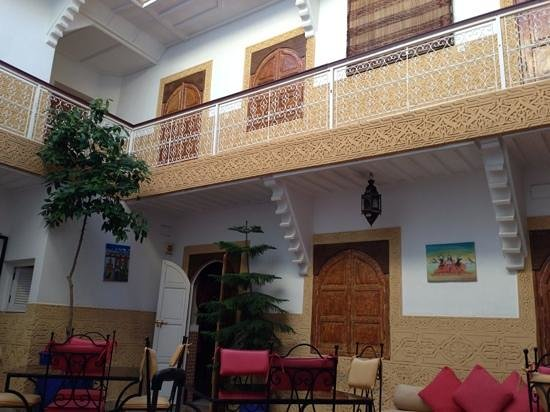Riad Shaden: courtyard