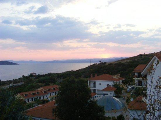 Aristoteles Holiday Resort & Spa: Вид из номеров на вершине