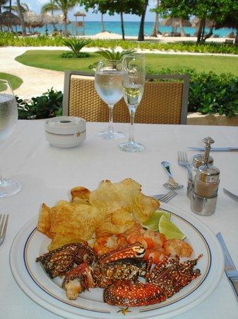 Iberostar Grand Hotel Bavaro: Restaurante da piscina - almoço