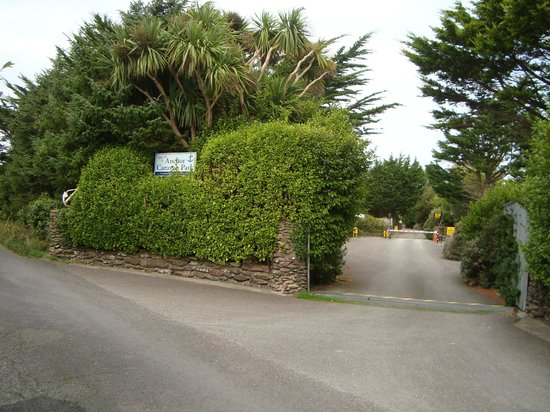 Anchor Caravan Park CastleGregory: Entrance from road