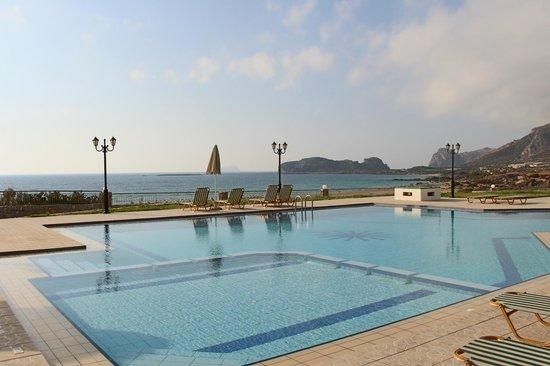 Panorama Hotel: Pool view