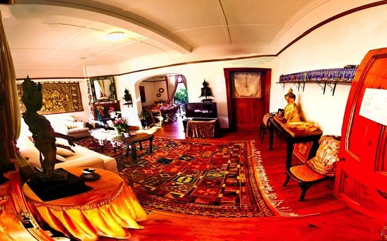 The Vagabond: Living Room