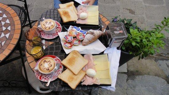 M.G. Bar: Café da Manhã no MG Bar em Monterosso