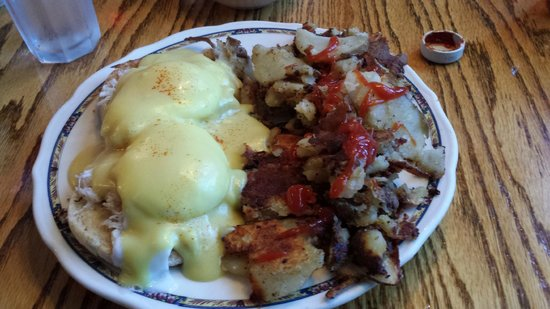 Oak Table Cafe : Crab Benedict and red potatoes