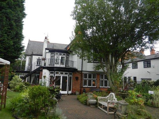 Tudor Court Hotel: The garden