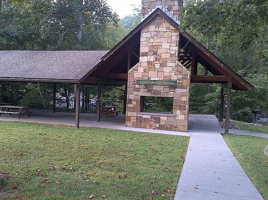 Glenstone Lodge : bbq/picnic area