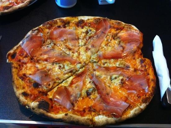 Pizzeria Cahuita: Serrano y hongos