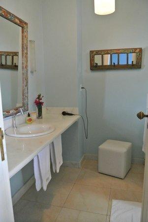 Guesthouse Bianca: Banheiro