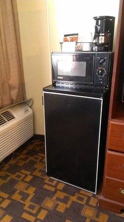 Days Inn Gettysburg: Fridge/Microwave
