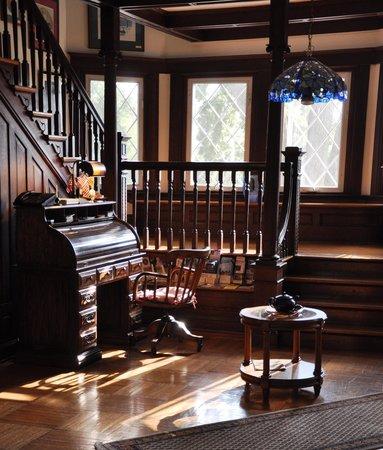 ذا ستونوول جاكسون إن: The Lobby of the Inn