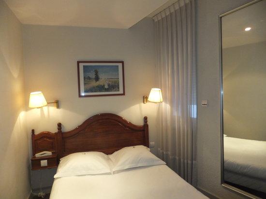 Grand Hôtel d'Orléans : bed