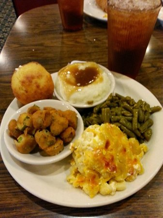 Wade's Family Restaurant: The 4-Veggie Plate at Wade's