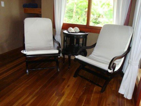 Copa de Arbol Beach and Rainforest Resort : Sitting area in our room