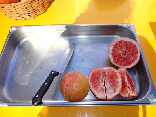 Nomadas Hostel: frutas no café da manhã!