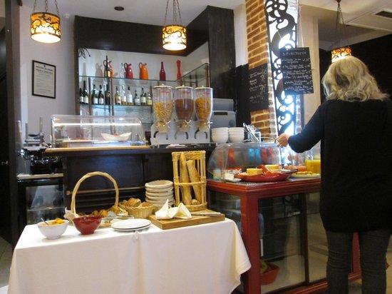 Hotel Europe Saint Severin: breakfast