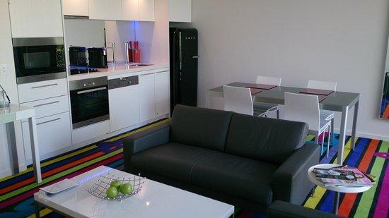 ADGE Apartment Hotel: Living/dining area