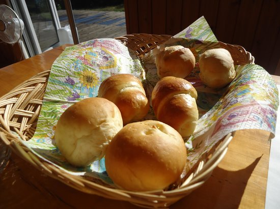 Yado Hanafurari: 朝食の焼きたてパン