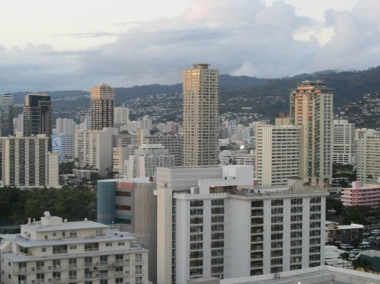 Sheraton Waikiki: View of Downtown from Room