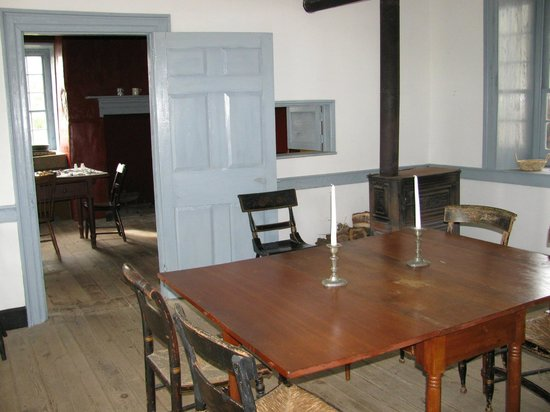 Dill's Tavern and Plantation: The 1800's Dining Room