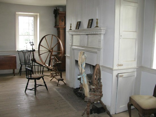 Dill's Tavern and Plantation: The 1800's  Front Room Addition