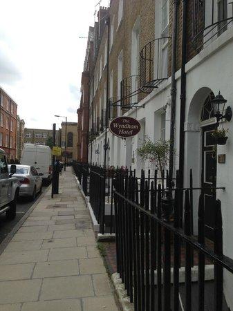 Wyndham Hotel: street
