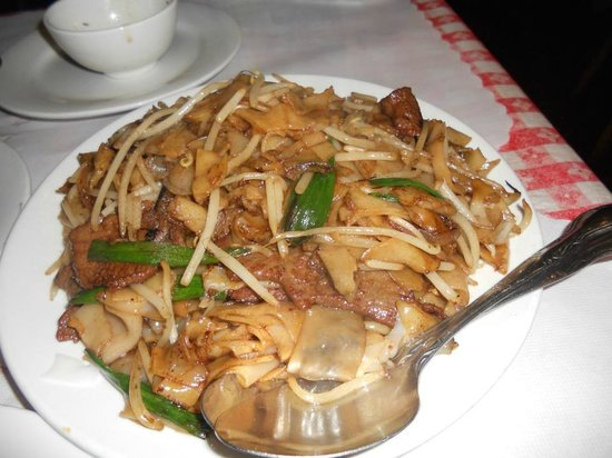 Hong Kong Clay Pot Restaurant: beef noodle