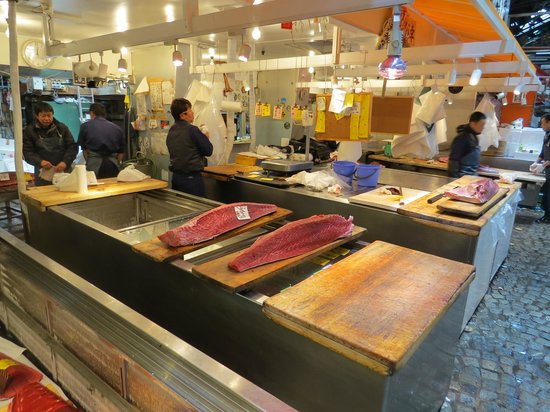 The Tsukiji Market: Balcao dentro do mercado