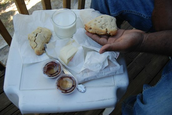 Idyllwild Bunkhouse: Homemade Scones
