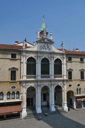 Il Palazzo del Monte di Pieta