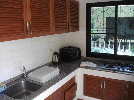 Phuket Riviera Villas : Kitchen/ette