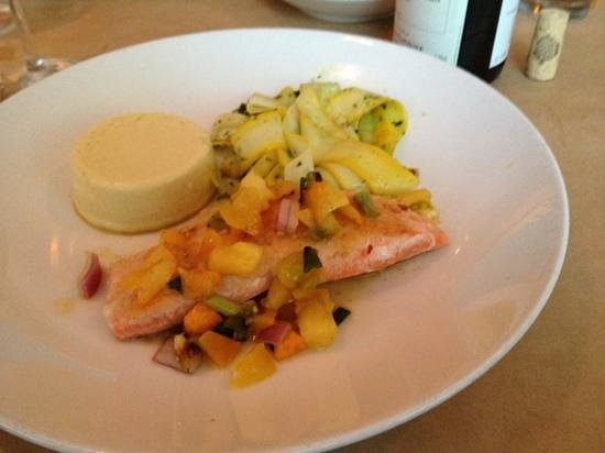 Borg's Ocean Front Motel : king salmon special