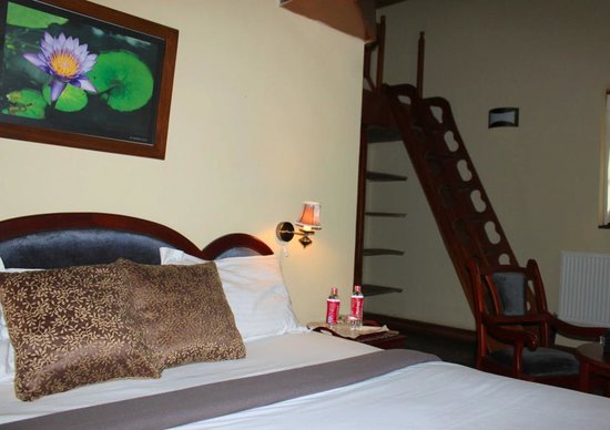 Lady Horton Bungalow : Master bed room