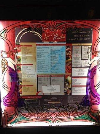 Le Cafe de Saint Malo : 入口にあるメニュー表