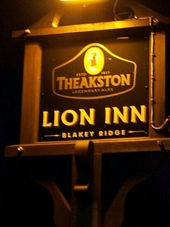 The Lion Inn: Great Place To Eat, miles from anywhere.