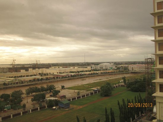 NagaWorld Hotel & Entertainment Complex : view from room 804