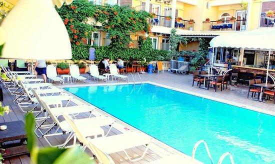 Hotel Telesilla: Pool area