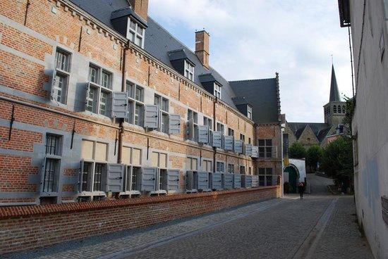 Lessines, Bélgica: façade