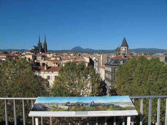 Best Western Plus Hotel Litteraire Alexandre Vialatte : Vue de la terrasse du petit déjeuner