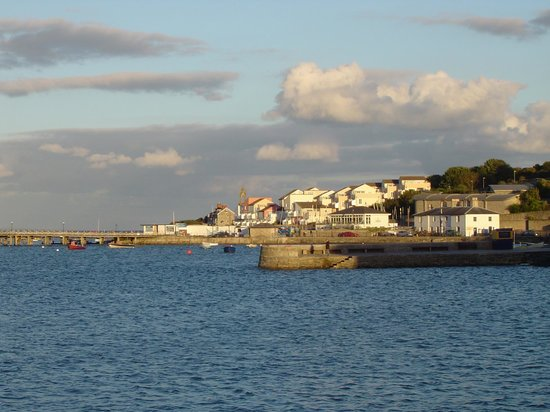 Rivendell Guest House: Swanage Bay, early evening