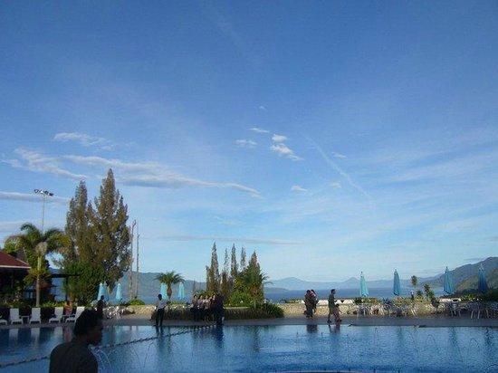 Niagara Hotel and Resort: Lake Toba lookout