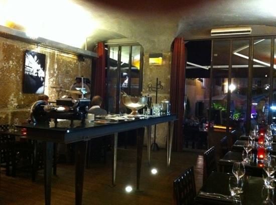 Cafe Epicerie: excellent trendy decor