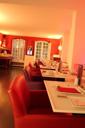 Hotel Cezanne: 朝食はここで