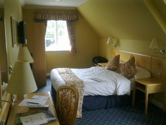 Parsonage Hotel & Spa: Good size room